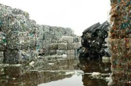 """49亿吨塑料垃圾来势汹汹,科学家:人类""""粪便""""已检测到微塑料"""