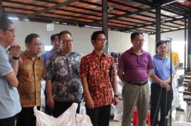 印度尼西亚KM公司赴金联橡胶加工分公司考察